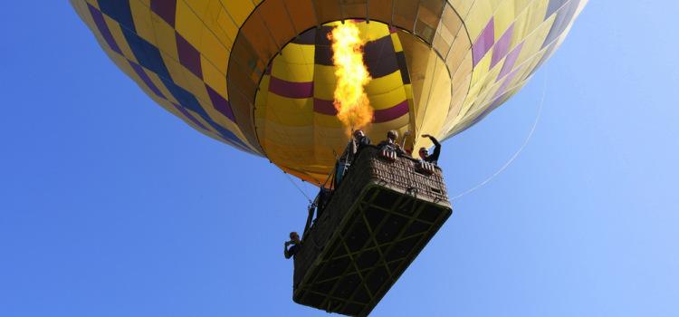 Let balonem, radost vidět to vše pod sebou